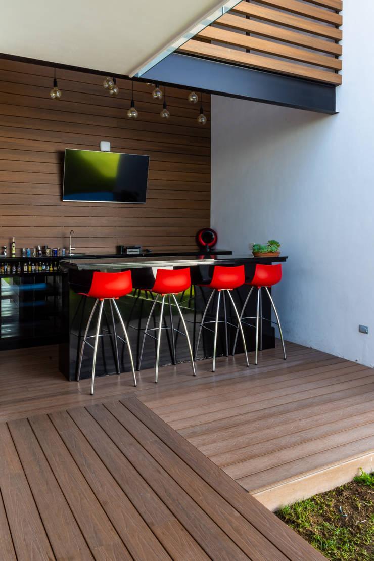 TERRAZA: Terrazas de estilo  por GENETICA ARQ STUDIO, Moderno
