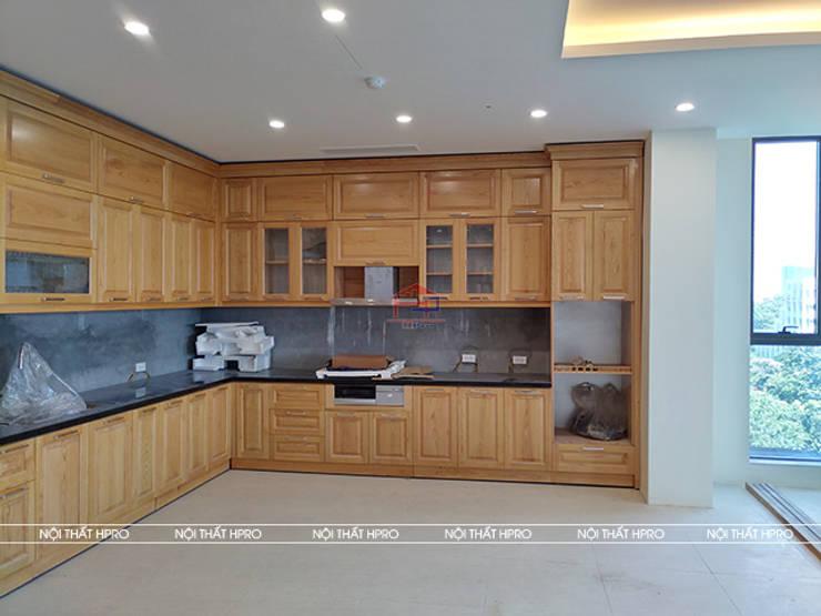 Hình ảnh thực tế bộ tủ bếp gỗ sồi nga tự nhiên nhà anh Nam - Hoàng Quốc Việt:  Kitchen by Nội thất Hpro,