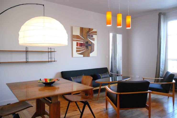 Salon / Séjour: Salon de style  par Créateurs d'Interieur