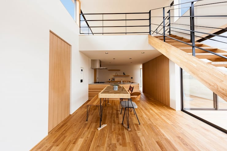 Dining Room: STaD(株式会社鈴木貴博建築設計事務所)が手掛けたダイニングです。,
