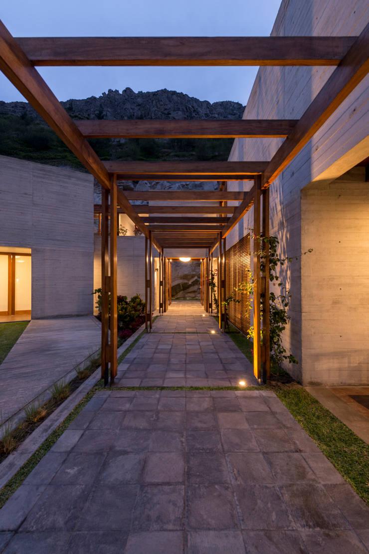 Casa MEC: Casas de estilo  por Francisco Dulanto Arquitecto
