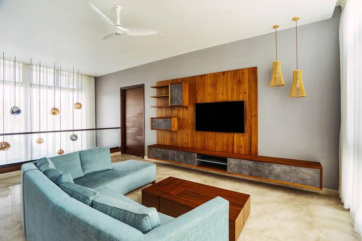 Electronics by Mr. Blueprint, Modern Wood Wood effect