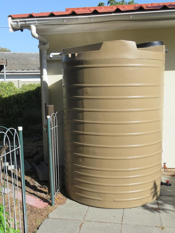 Grey Water and Rainwater installations:  Garden by Aquarian Projects,