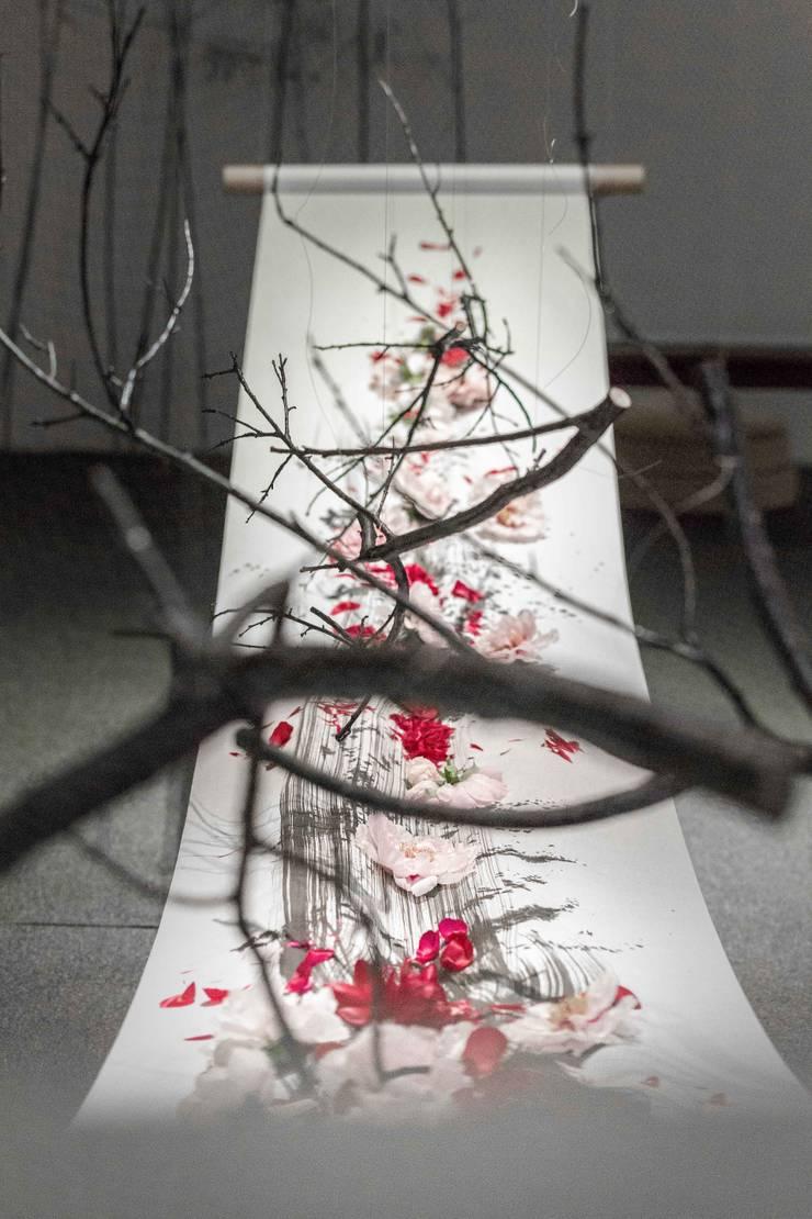 в современный. Автор – 朱永安花藝, Модерн