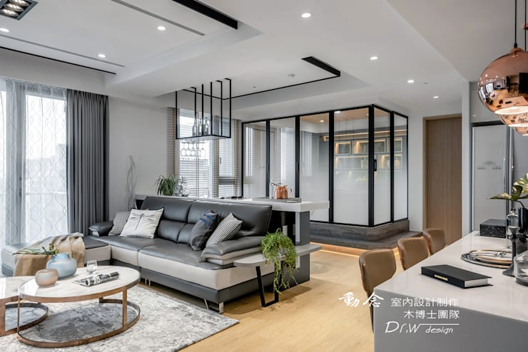 Puertas de estilo  por 木博士團隊/動念室內設計制作, Moderno