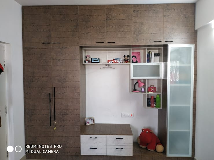 Kids Bedroom: modern  by SD Interiors & Modulars,Modern