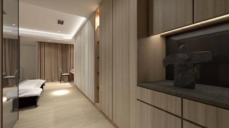飯店風格套房:  臥室 by c+室內設計工作室,