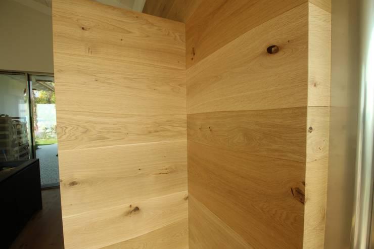 Cocinas de estilo  de Bolefloor , Moderno Madera Acabado en madera