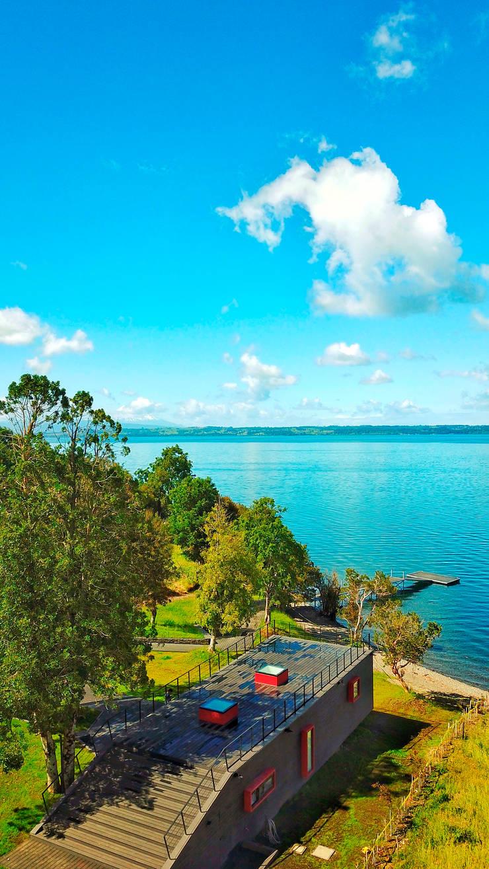 Quincho Lago Puyehue: Casas unifamiliares de estilo  por BUVINIC ARQUITECTURA