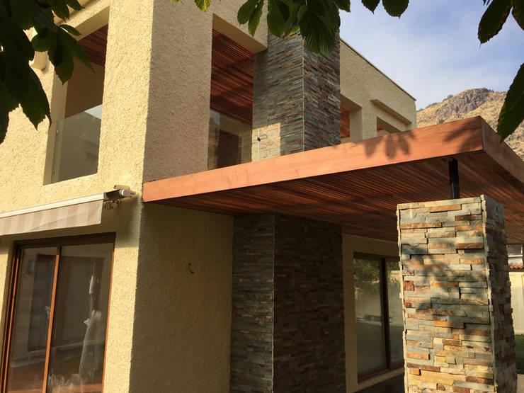 CASA MISIONEROS: Casas de estilo  por ESTUDIO SUSTENTABLE