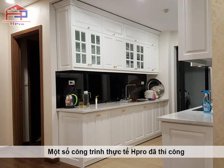 Hình ảnh thực tế bộ tủ bếp gỗ công nghiệp tân cổ điển nhà chị Hoa - Kim Giang:  Kitchen by Nội thất Hpro,