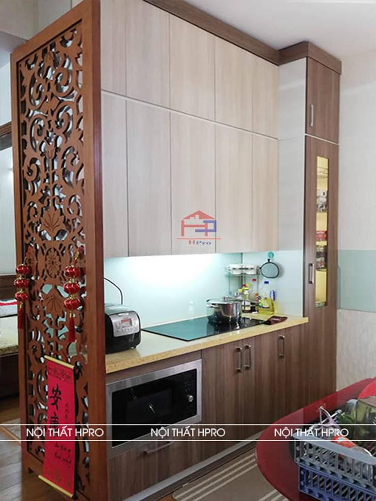 Hình ảnh thực tế bộ tủ bếp gỗ melamine nhà chị Thoa - Tây Hồ:  Kitchen by Nội thất Hpro,