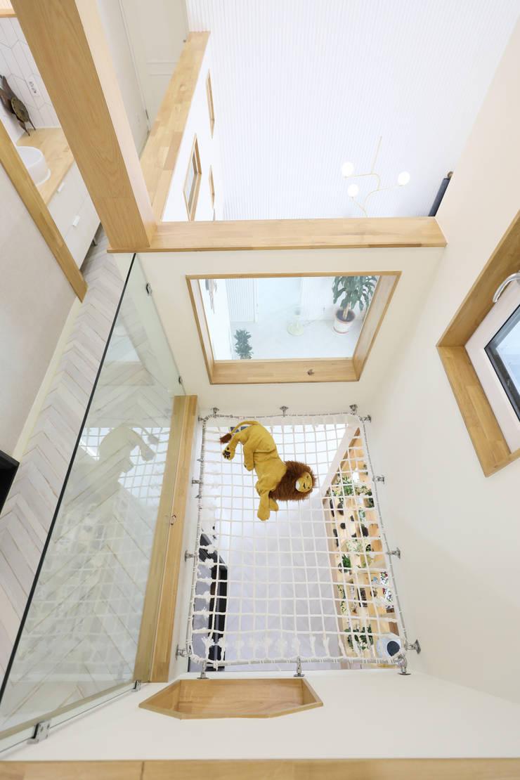 세종시주택 락현재 아이들을위한 그물망: 주택설계전문 디자인그룹 홈스타일토토의  바닥,