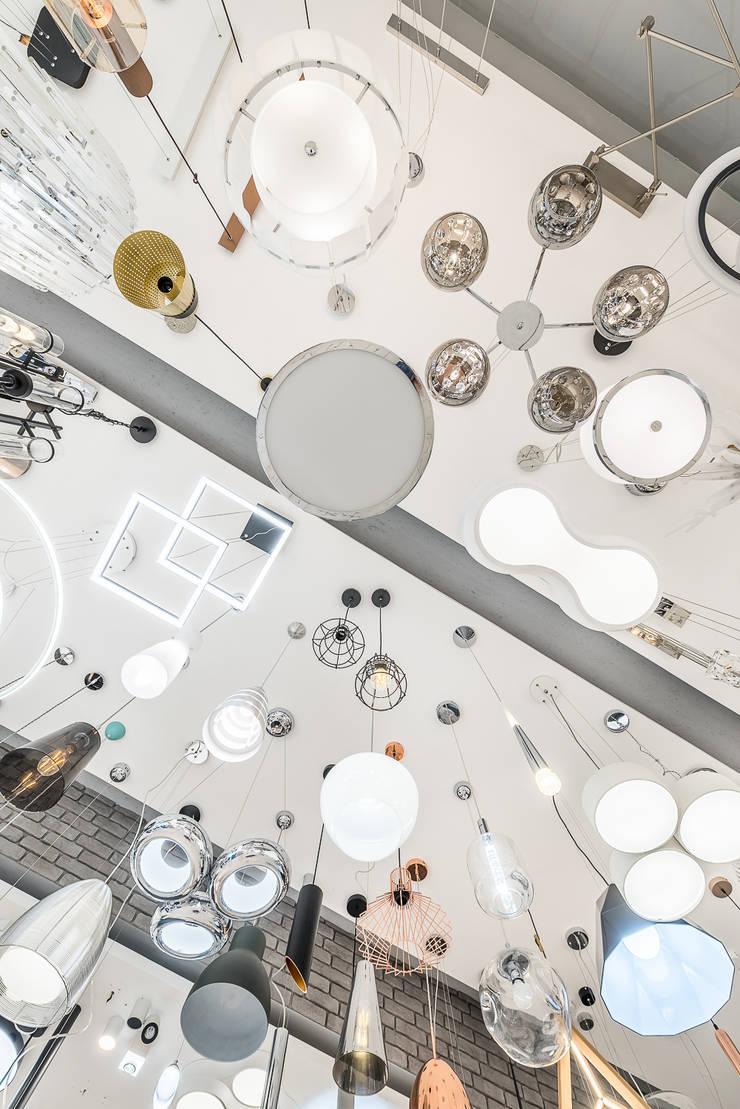 Espacios comerciales de estilo  por Nowoczesne lampy - doradzamy. oświetlamy - Lajtit.pl, Moderno