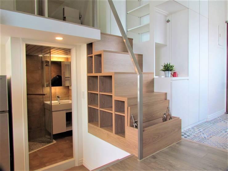 全室案例-台北市松山區:  客廳 by ISQ 質の木系統家具,