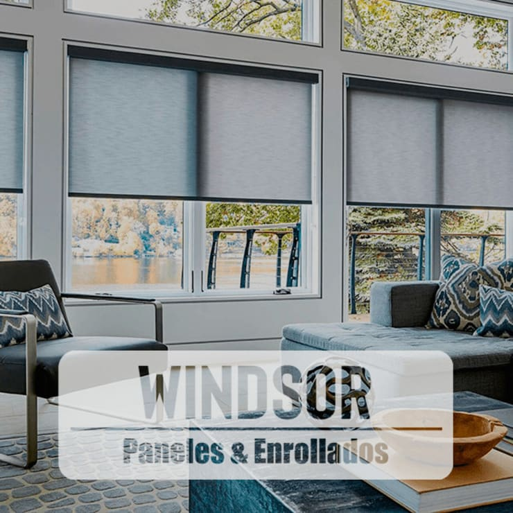 Cortinas, paneles y enrrollables -Windsor: Puertas y ventanas de estilo  por HOME DECO & HOME GLASS,