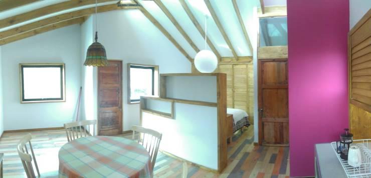 AMPLIACION CASA LA REINA: Dormitorios de estilo  por BE ARQUITECTOS