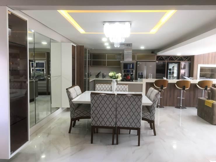 Dining room by Paula Szabo Arquitetura, Modern