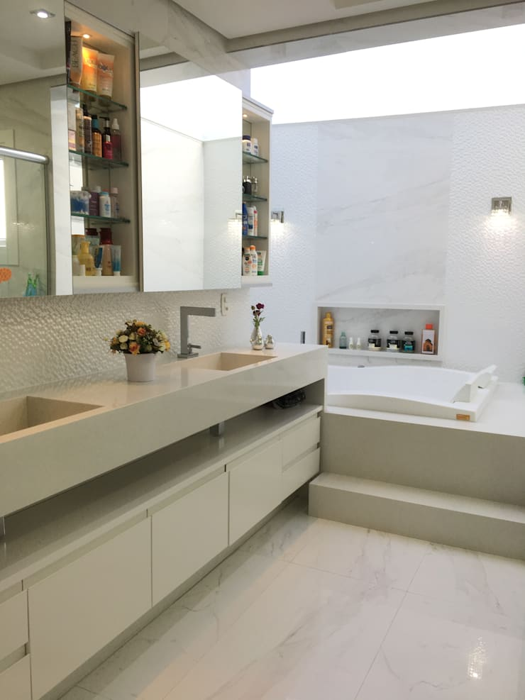 Bathroom by Paula Szabo Arquitetura, Modern