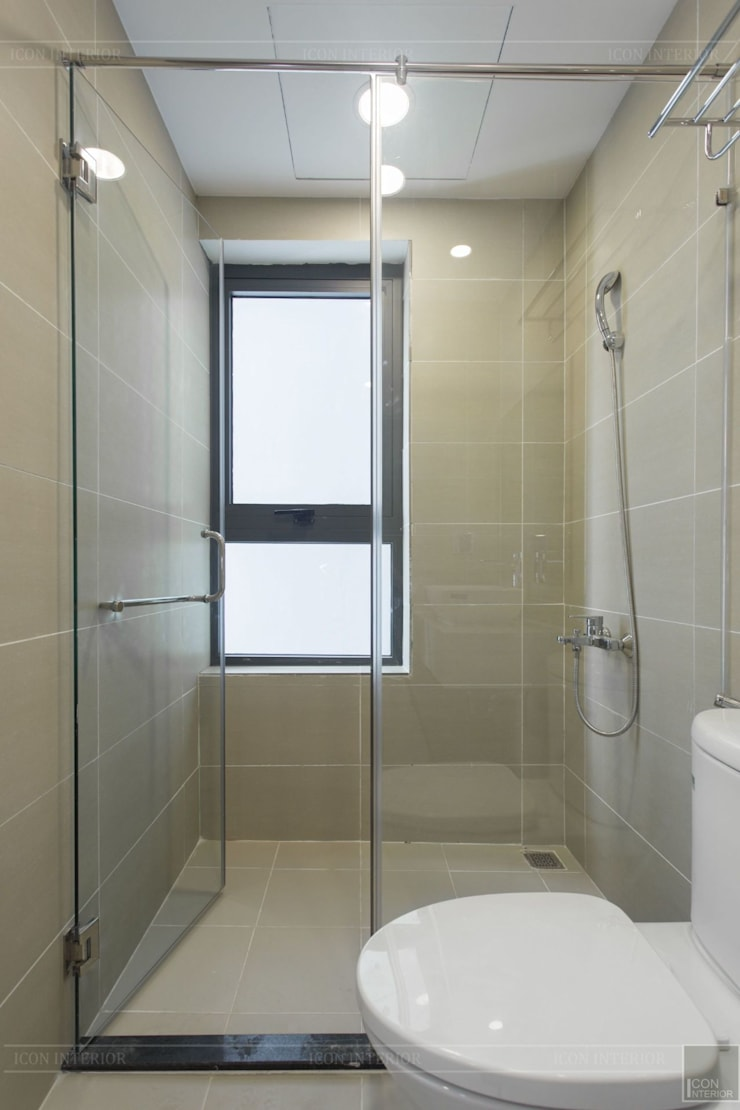 Thiết kế thi công nội thất chung cư 70m2 ấm cúng đáng mơ ước:  Phòng tắm by ICON INTERIOR,