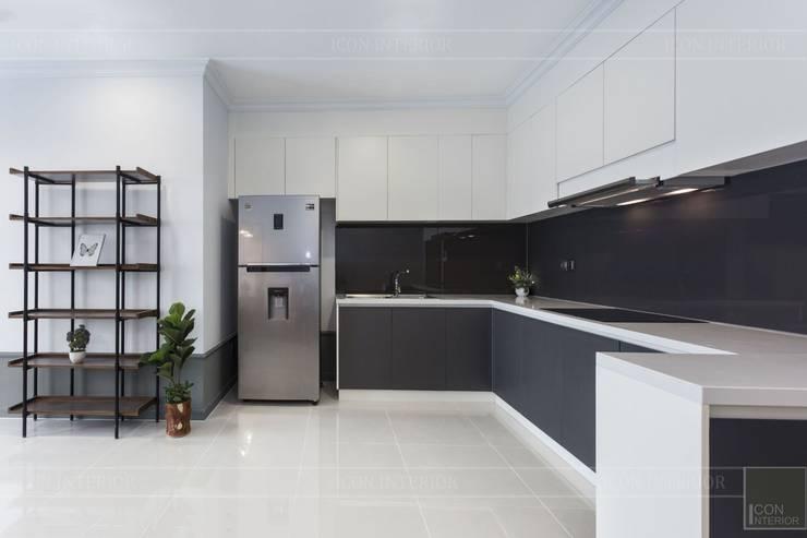 Thiết kế thi công nội thất chung cư 70m2 ấm cúng đáng mơ ước:  Nhà bếp by ICON INTERIOR,