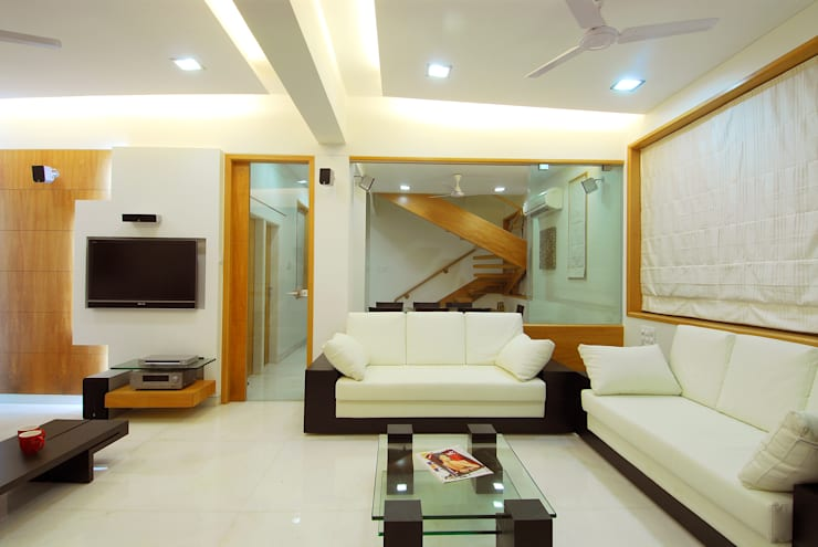 Corridor & hallway by SHARK INCORPORATION, Minimalist