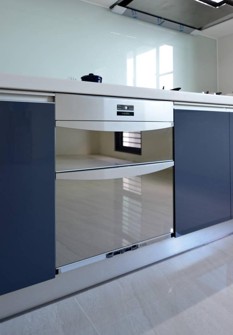 金屬質感:  系統廚具 by houseda,