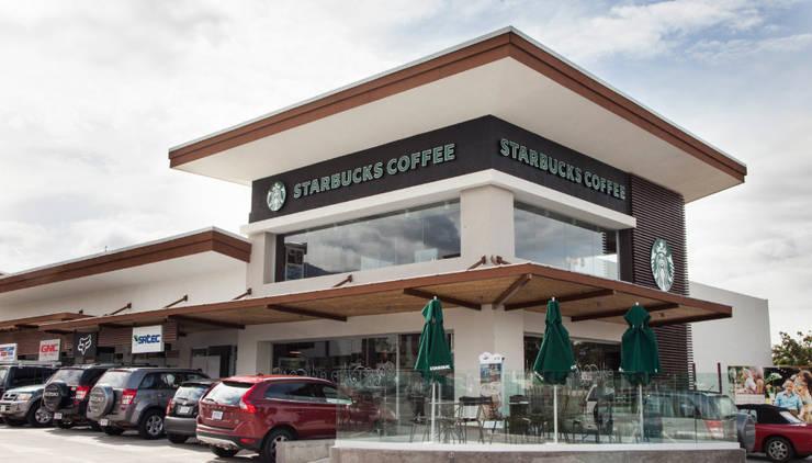 Starbucks Coffee: Locales gastronómicos de estilo  por Smart Investment Group, Moderno Concreto