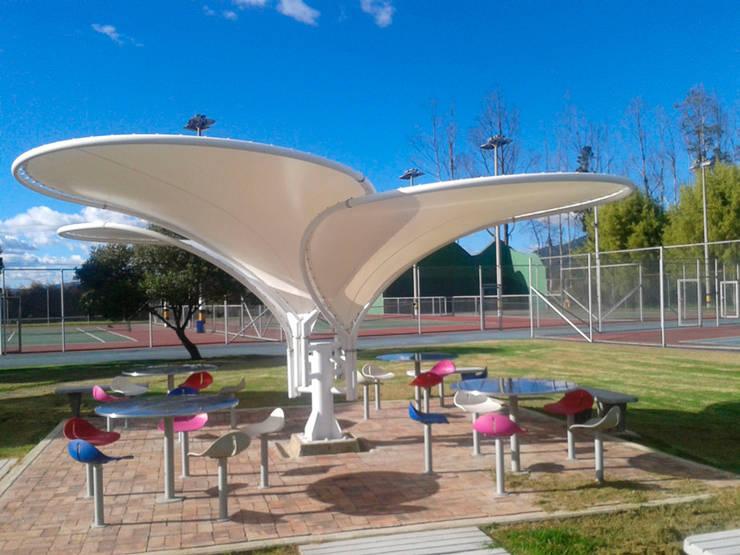 Modulo de Pétalos - Producto Exclusivo: Jardín de estilo  por Diseños & Fachadas SAS,