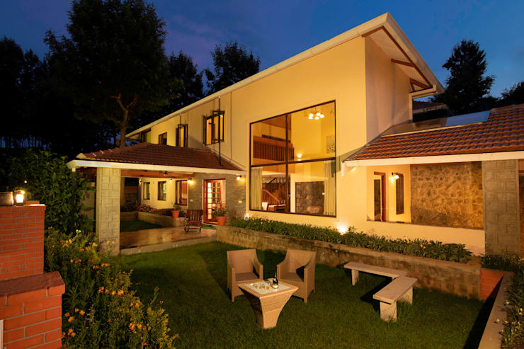 Bungalows by Vitrag Group, Colonial