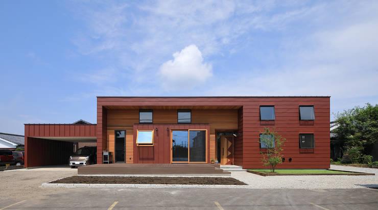 外観: ㈱ライフ建築設計事務所が手掛けた木造住宅です。,