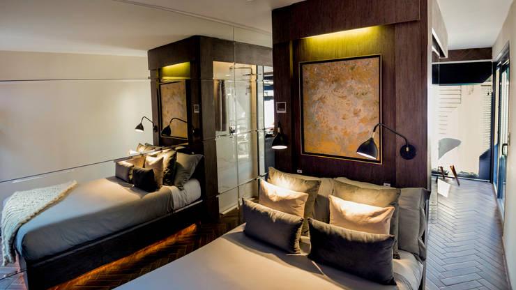 TINY HOUSE: Dormitorios pequeños de estilo  por SUMATORIA,