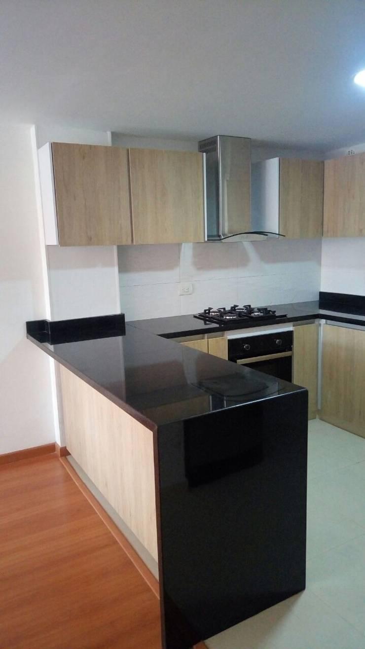 cocina: Cocina de estilo  por Madera & Diseño.co,