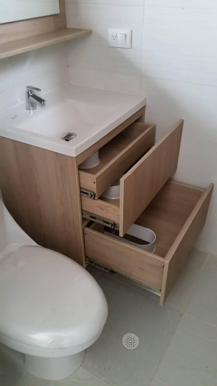 Mueble Baño: Baños de estilo  por Madera & Diseño.co,