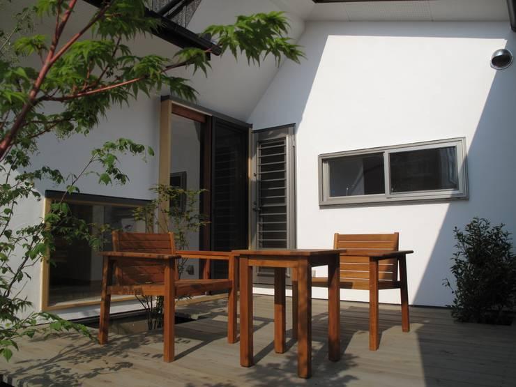 中庭: 株式会社高野設計工房が手掛けた庭です。,
