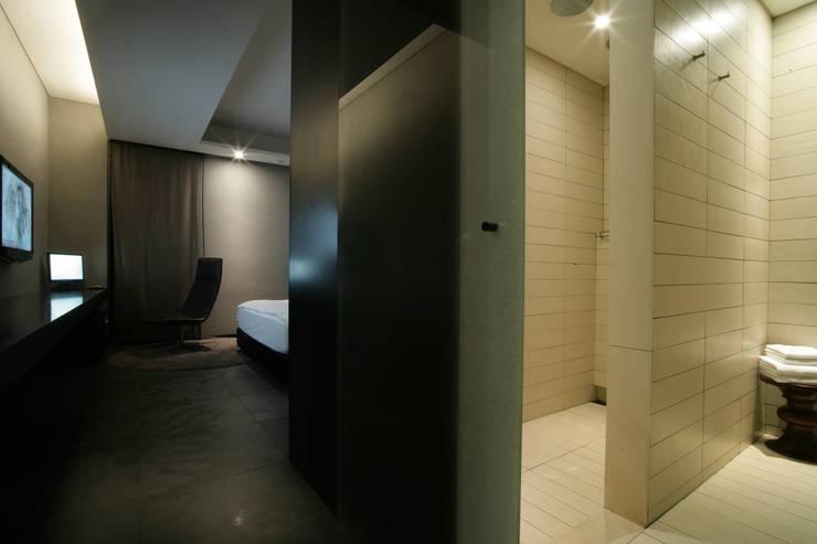 Hotel the mat (호텔 더매트): M's plan 엠스플랜의  복도 & 현관,