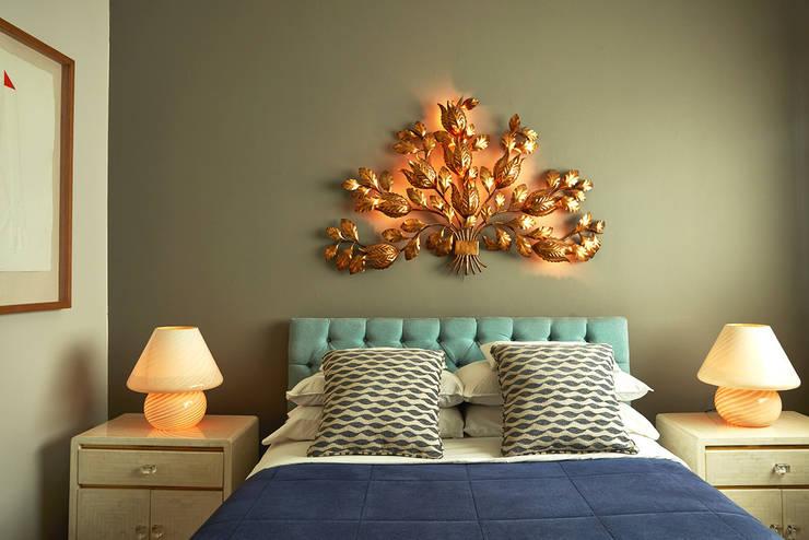 Habitación: Dormitorios de estilo  por Dessvan,