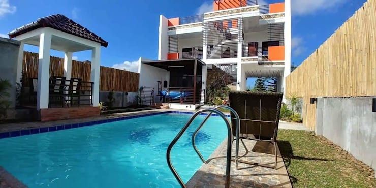 Duka Residence:  Garden Pool by JPSolatorio Architectural Design Services,