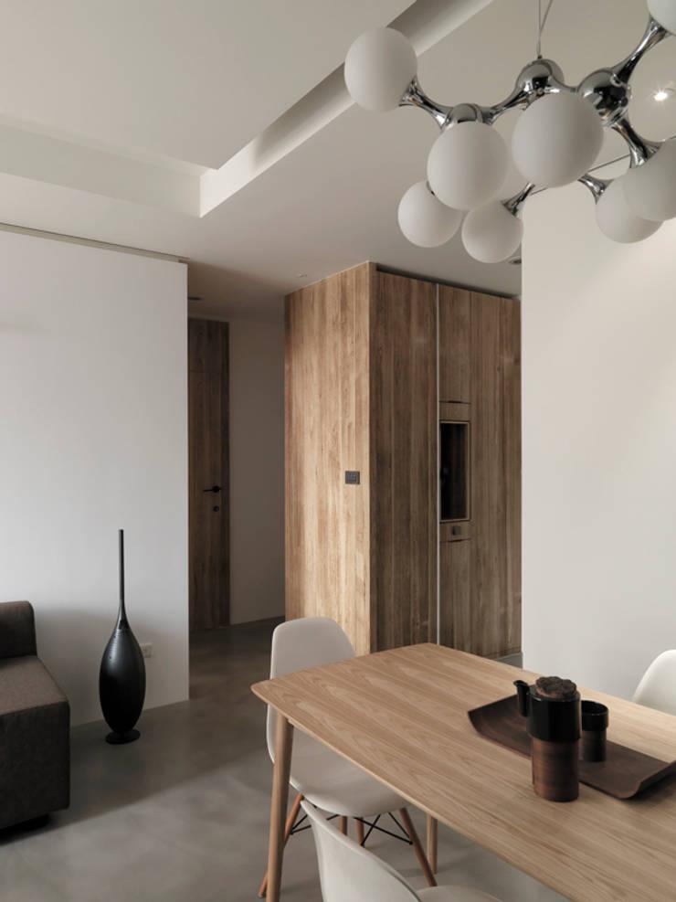 Столовые комнаты в . Автор – 形構設計 Morpho-Design, Модерн