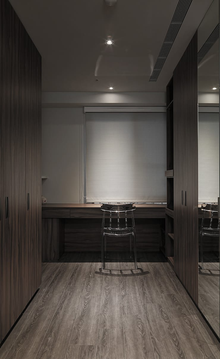 Projekty,  Garderoba zaprojektowane przez 形構設計 Morpho-Design, Nowoczesny