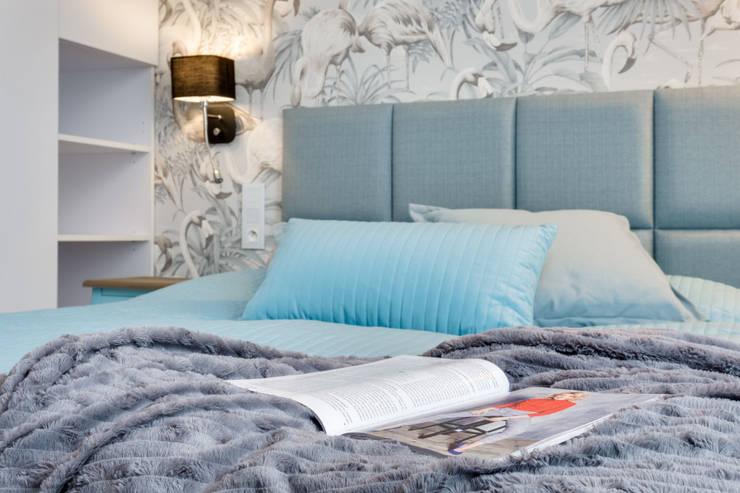 ห้องนอนขนาดเล็ก โดย Lux Interiors - projektowanie i aranżacja wnętrz Gdańsk, Gdynia, Sopot, โมเดิร์น