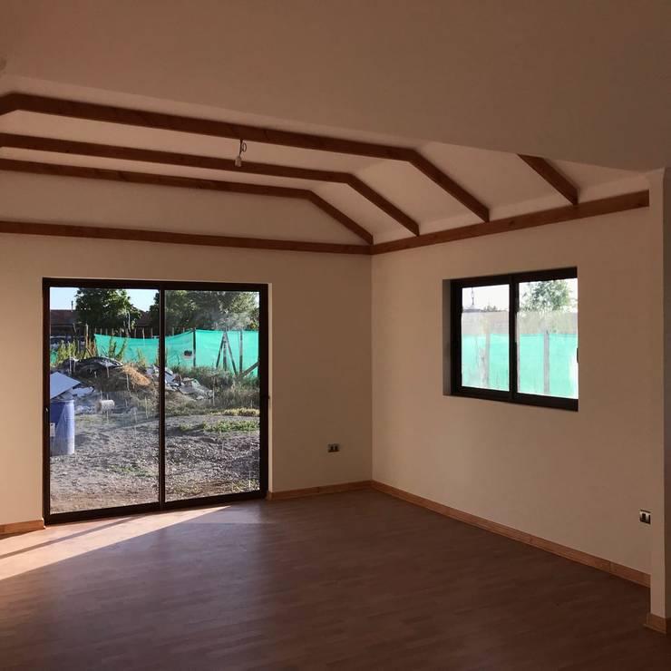 LIVING /COMEDOR: Livings de estilo  por Estudio Arquitectura y construccion PR/ Arquitectura, Construccion y Diseño de interiores / Santiago, Rancagua y Viña del mar,
