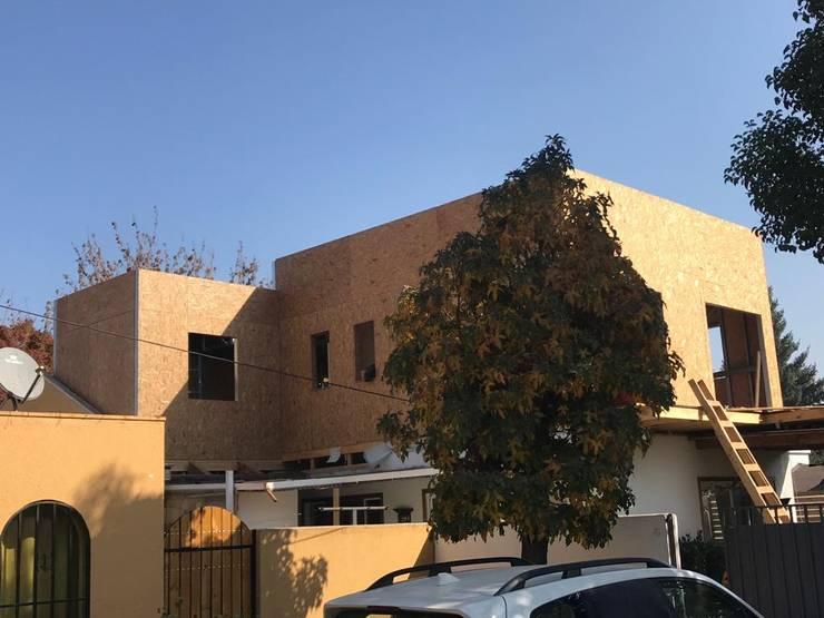 Casas unifamilares  por Estudio Arquitectura y construccion PR/ Arquitectura, Construccion y Diseño de interiores / Santiago, Rancagua y Viña del mar, Mediterrânico