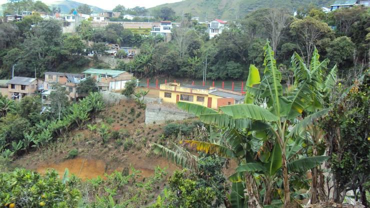 Casa de Descanso Chachagüí: Casas de madera de estilo  por Grupo Cadcom Constructores SAS,