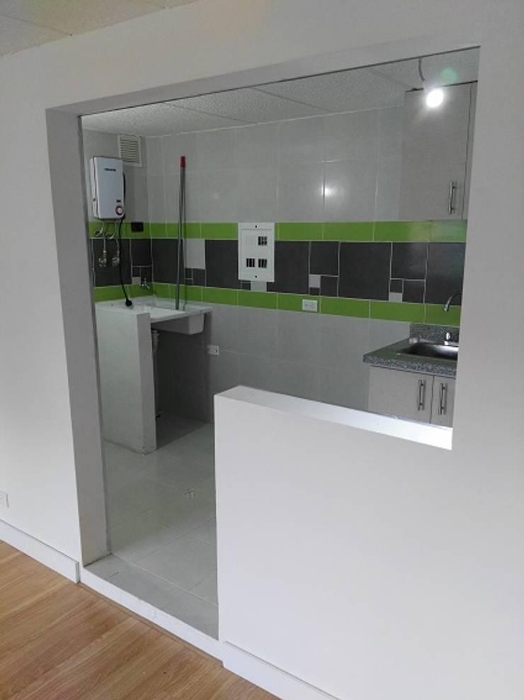 Construcción: Remodelaciones, adecuaciones locativas y obras menores, incluido el diseño, presupuesto y supervision: Cocinas pequeñas de estilo  por Julian Defrancisco Arquitectura,