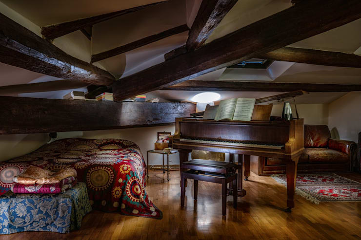 Living room by ARTE DELL' ABITARE
