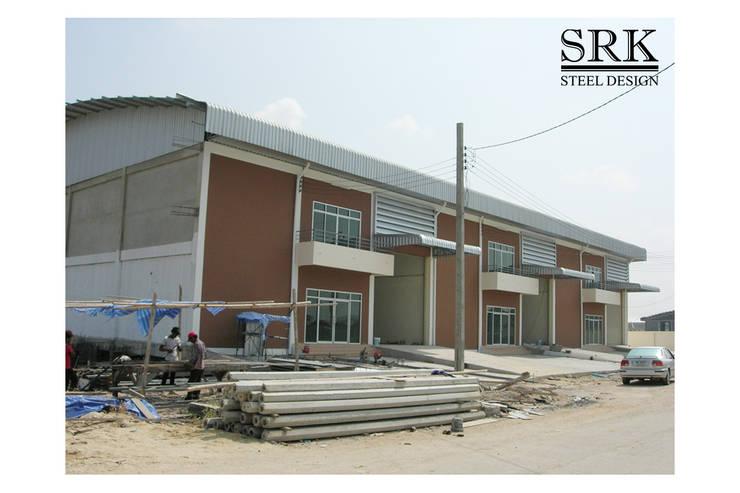 ก่อสร้างโกดัง โครงการจงศิริพาร์คแลนด์:   โดย SRK Contractor,