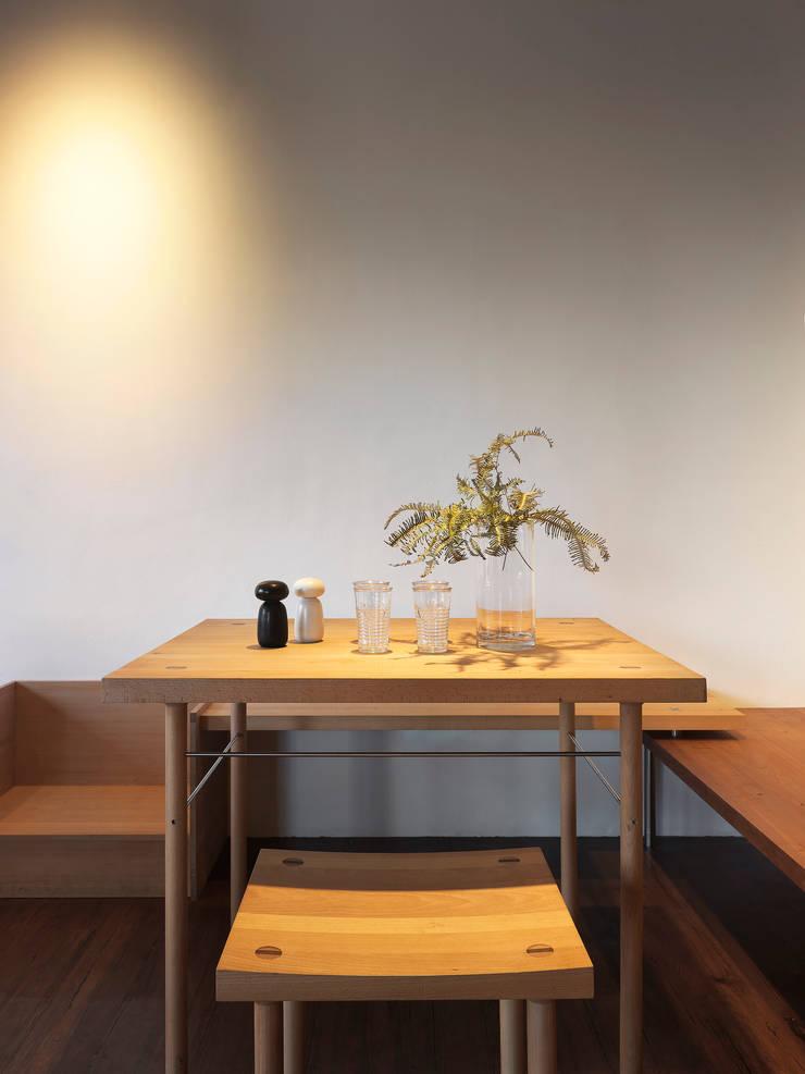 木耳生活藝術-商業空間/新竹・FAMILY PIZZA光復店:  餐廳 by 木耳生活藝術,