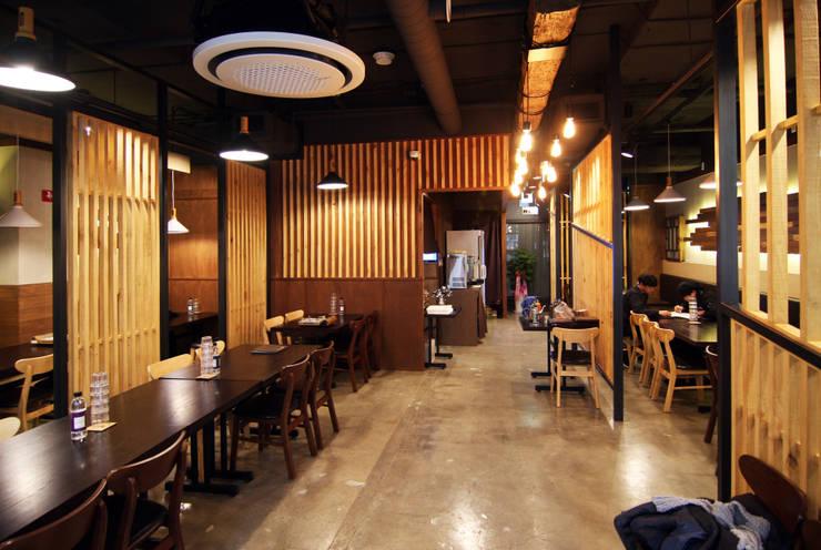 일본식 샤브샤브 - 그림나베 홀: IDA - 아이엘아이 디자인 아틀리에의  레스토랑,