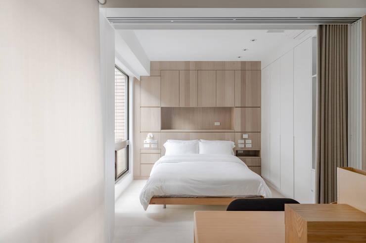 靜享宅:  臥室 by 文儀室內裝修設計有限公司,